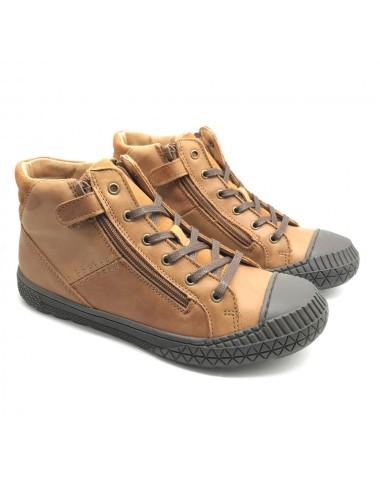 Chaussure montante à lacet...